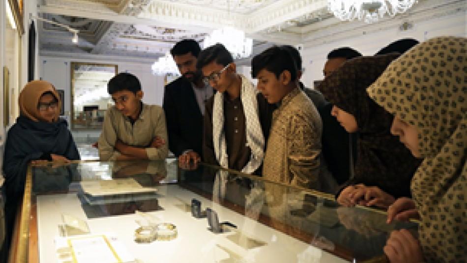 تشرف نوجوانان حافظ قرآن کریم کشور پاکستان به حرم رضوی